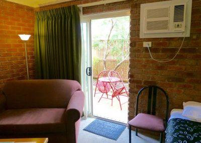 Twin Spa Room Courtyard